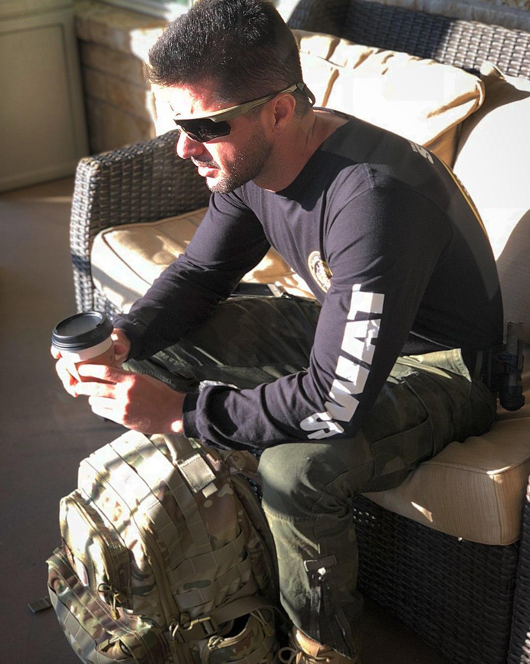 sexy-masculine-daddy-swat-team-member-alpha-male-uniformed-soldier-dilf