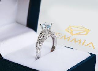 Mẫu nhẫn đính hôn đặc biệt bằng kim cương