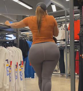 Mujeres sabrosas leggins entallados