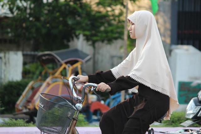 Wanita Itu Dinafkahi, Bukan Cari Nafkah, Setuju Gak Setuju Silahkan Share!