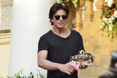 bollywoods-king-khan-turns-51