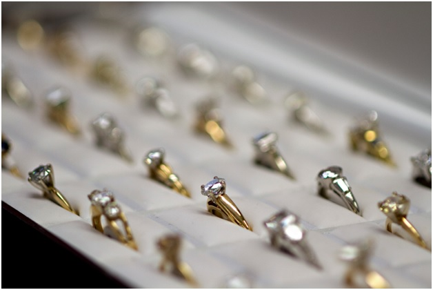 How to Perfectly Display Your Ring Collection