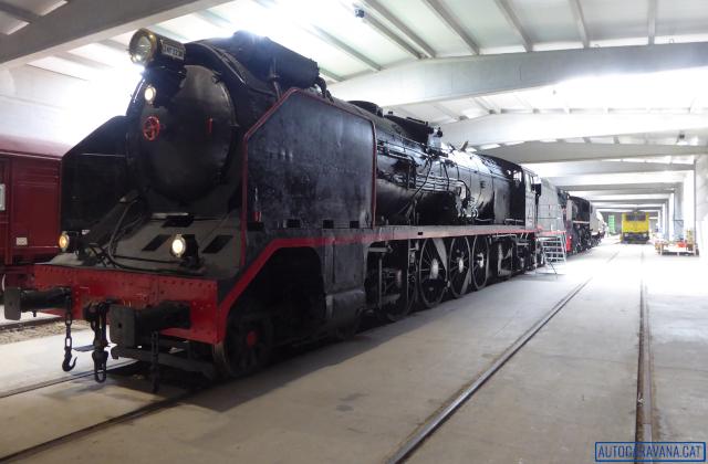 Nau amb locomotores
