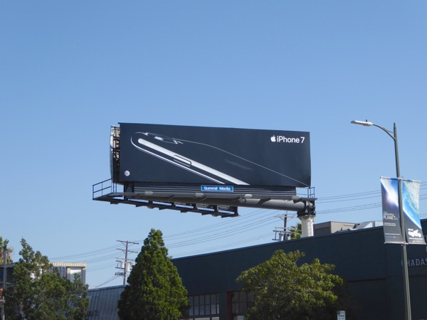 Apple iPhone 7 billboard