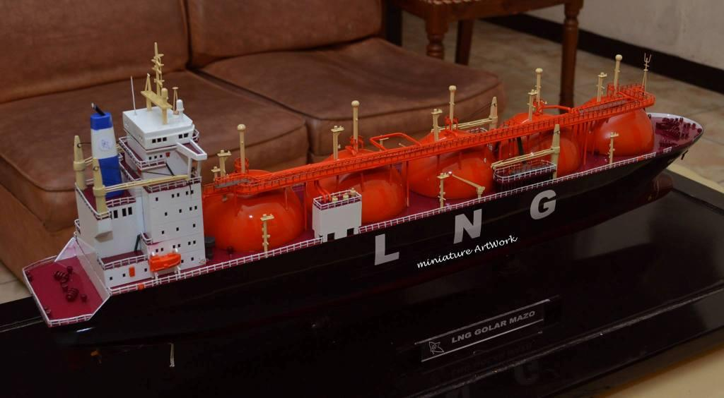 desain sketsa maket miniatur kapal liquefied natural gas lng golar mazo murah