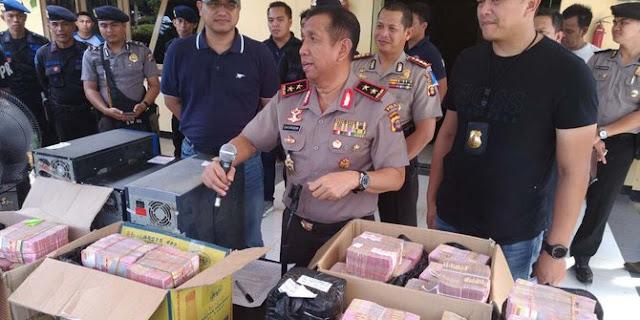HOT NEWS! OTT Pungli di Pelabuhan Samarinda, Polisi Sita Rp6,1 Miliar