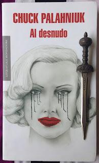 Portada del libro Al desnudo, de Chuck Palahniiuk