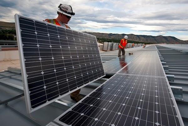 Catalizadores electroquímicos ecológicos que usan células solares para recolectar energía.