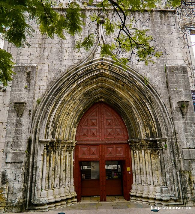 Porta do Convento do Carmo, em Lisboa