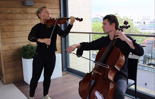 Norwegian violinist Mari Samuelsen has often been heard in concert with her brother, cellist Håkon Samuelsen. The Mari-Håkon partnership flowered during their teens, when they presented novel concerts such as one in 2003 where they both played Stradivarius instruments.