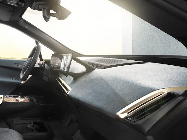 BMW apresenta novo interior e sistema de infotainment i-Drive