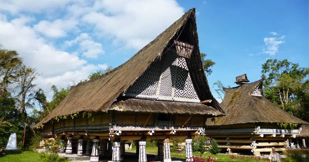 Rumah Adat Sumatera Utara (Rumah Bolon), Gambar, dan ...
