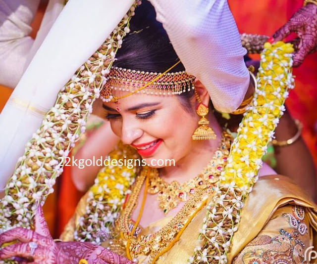 Rayane Radhika in Gold Step Jhumkas