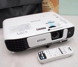 Proyektor EB-X450 Bekas