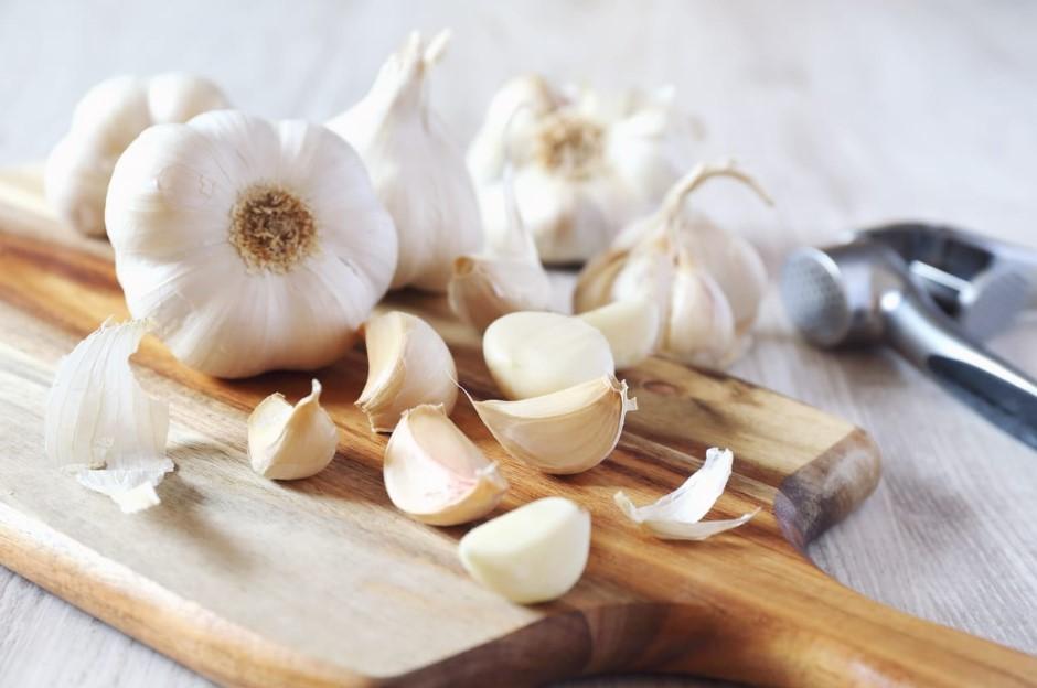 Manfaat Bawang Putih Mentah untuk Kesehatan Jantung Sampai Otak