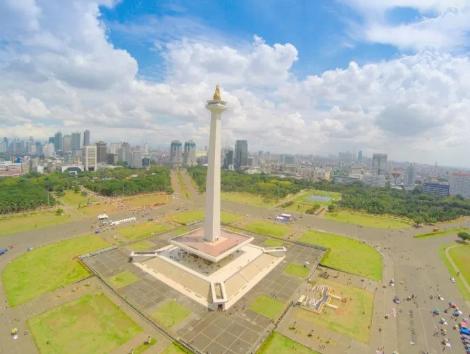 Sensasi Melihat Jakarta dari Puncak Monas