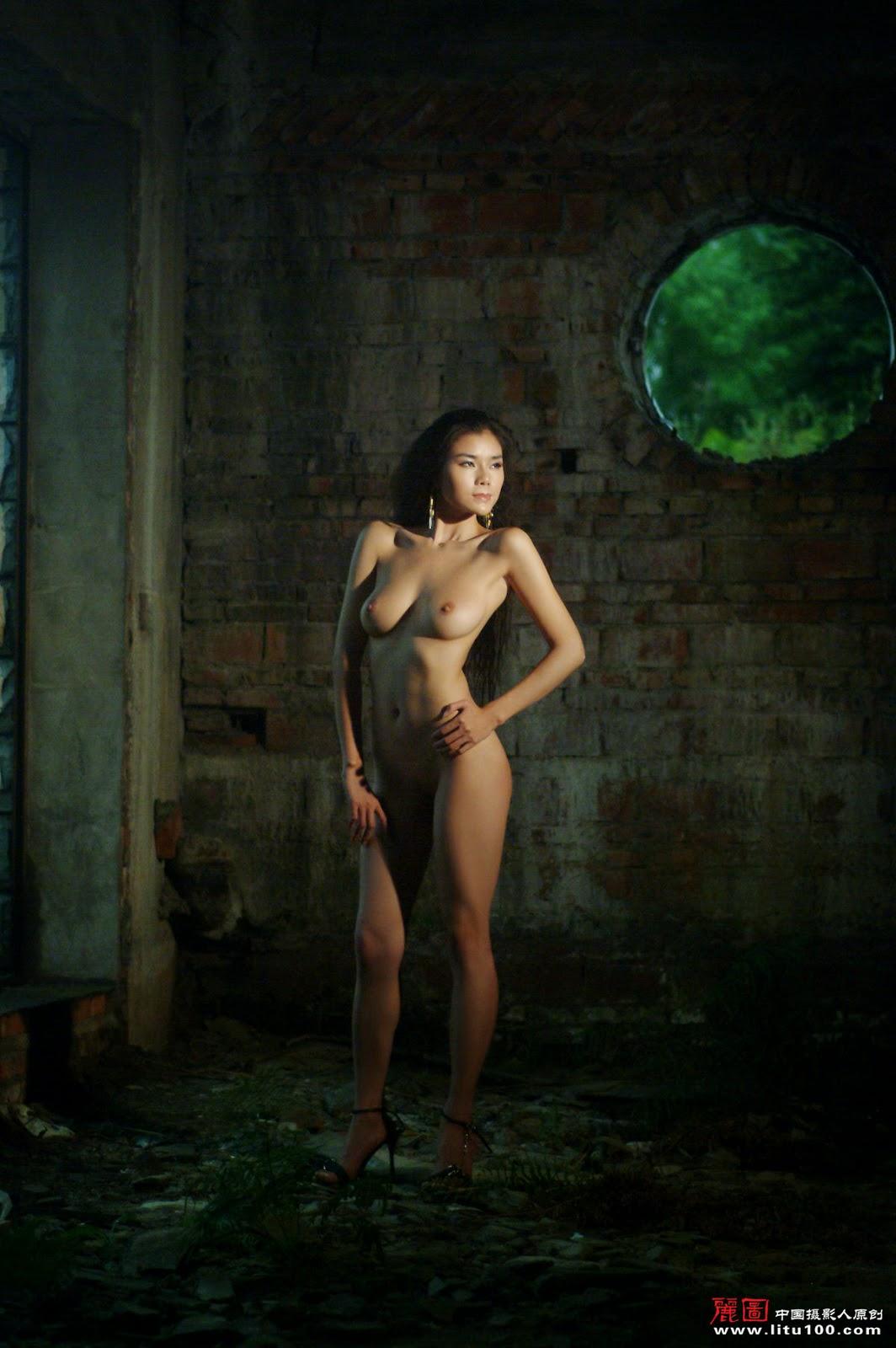 Gong Li And Nude