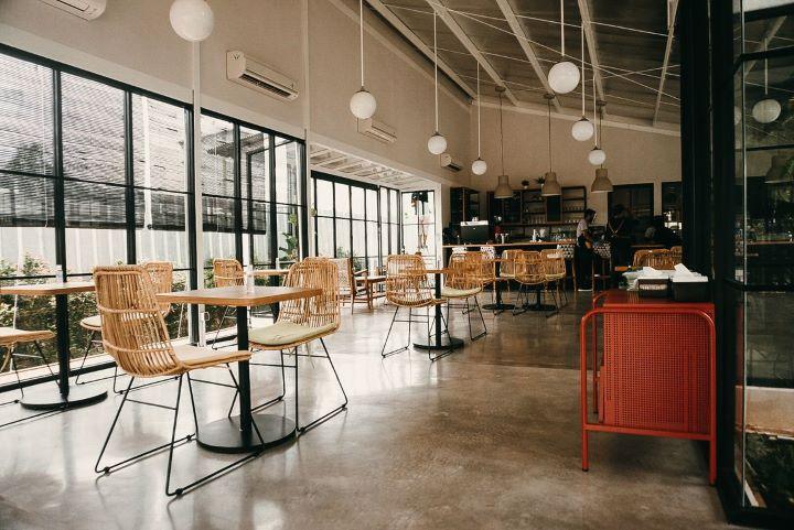 Kira Cafe Resto, rekomendasi tempat ngopi di Bintaro Sektor 9. Foto: Pergi Kuliner