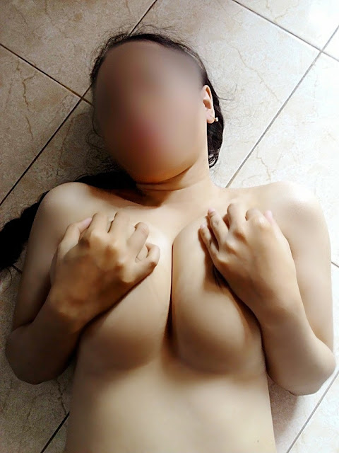 Kentu Meki Tembem Tante Hot