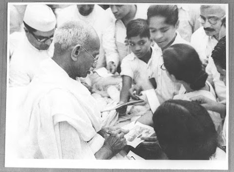 16-07-1934 What did Sardar Patel tell the people of Mumbai about the government's challenge?