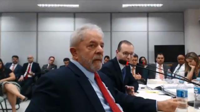 Tensão marca 1º depoimento de Lula sobre sítio