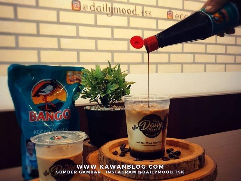 Mencicipi Es Kopi Campur Kecap Bango yang VIRAL di Daily Mood Tasikmalaya
