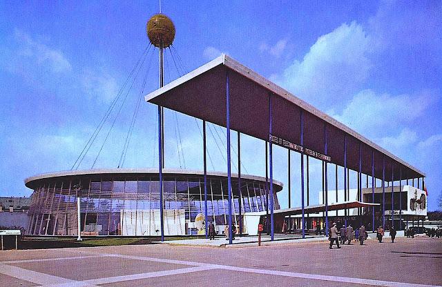 1958 wf Pavillon des Postes et Télécommunication