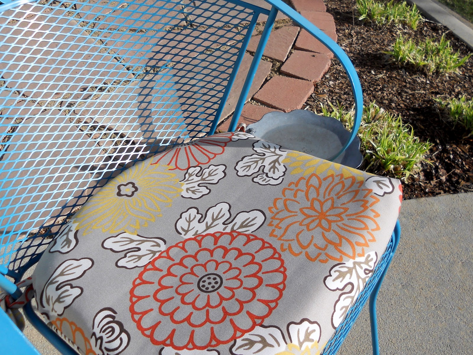 Recovering Lawn Chairs Green Bistro Just Another Hang Up How To Recover An Outdoor Patio Cushion