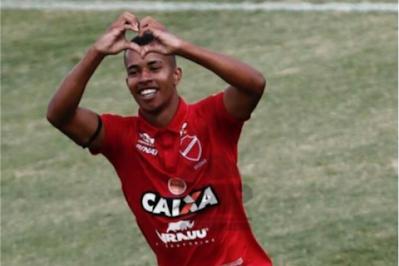 Empresário Roberto Faustim e Vila Nova concretiza a venda do atacante Philippe para o Futebol Árabe