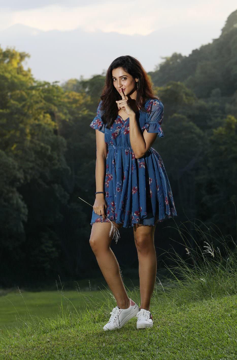 Actress Riya Suman HD Latest Photos