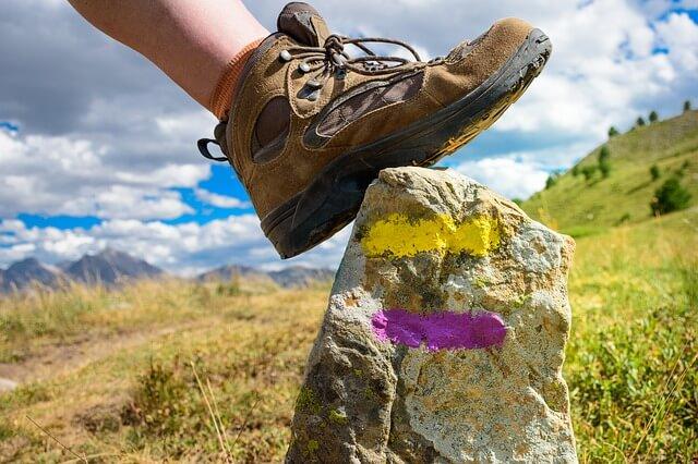cara mencuci sepatu gunung agar awet - foto Christelle Olivier