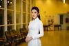 Bộ ảnh Huyền My đẹp dịu dàng trong trang phục áo dài trắng thước tha