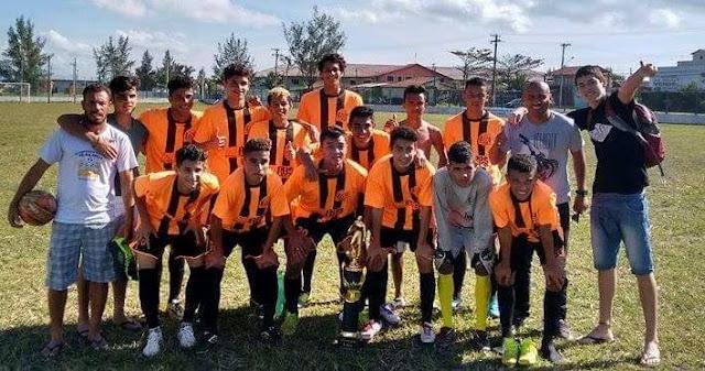 Escolinha de futebol da Ilha disputa semifinal do estadual no sábado 810, em Eldorado