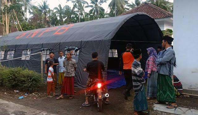 Tenda pengunsian yang didirkan BPBD