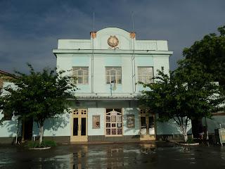 Ужгород. Закарпатський академічний обласний театр ляльок «Бавка»