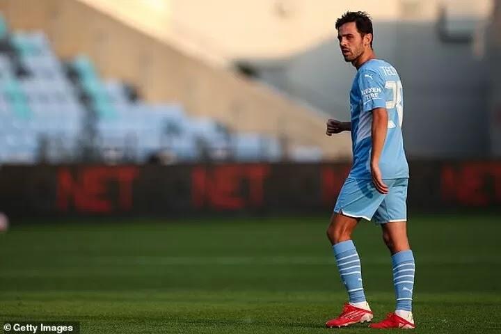 Bernardo Silva will PLEAD with Guardiola to let him leave Man City for Barcelona