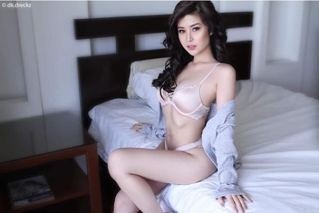 LOOK: Pretty Tin Stunning Sexy Photo helps you in decide to Stay Home