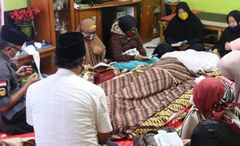Mantan Camat Sagulung Berpulang, Sekretaris Daerah Batam Jefridin Hamid Takziah ke Rumah Duka