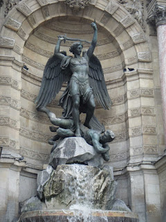 Plaza sant Michel, que ver en paris en un dia