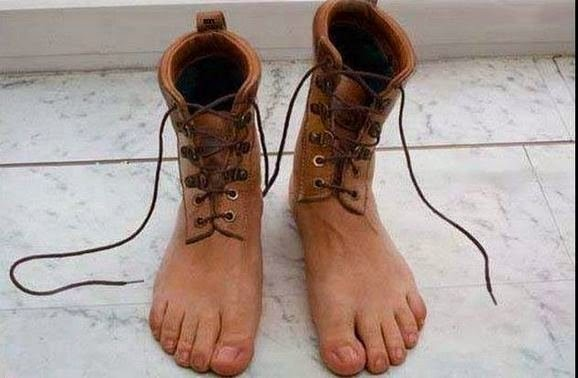 Funny Images Of Toe Shoes