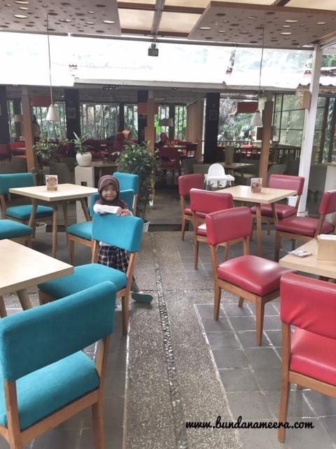 cafe halaman bandung, harga menu cafe halaman bandung, review, cafe halaman bandung