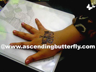 Butterfly Henna Tattoo, Manicure