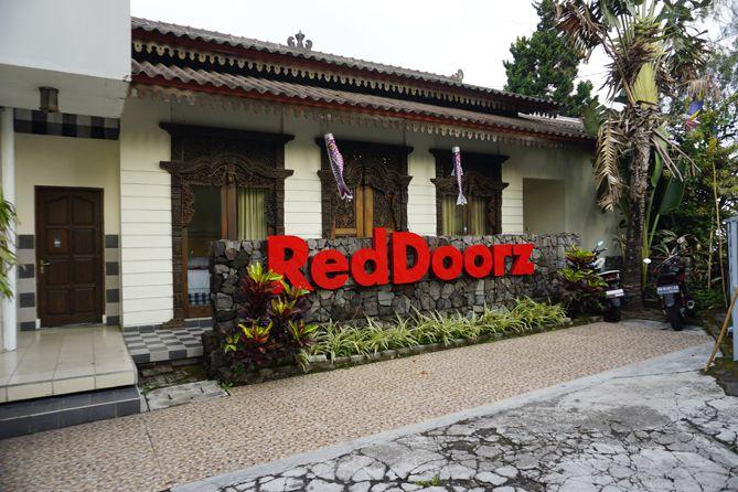 Penginapan RedDoorz near STAB Syailendra Kopeng