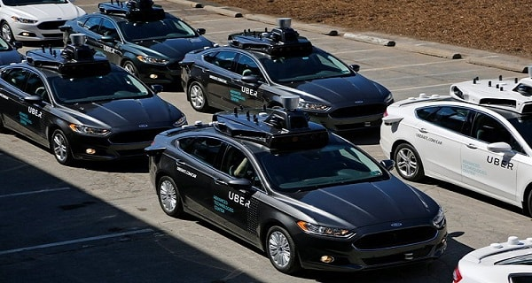 A self-driving Uber car kills a woman in Arizona