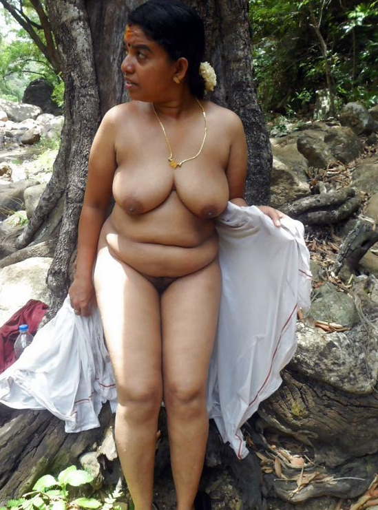 Tamil Village Aunty Sexy Photos