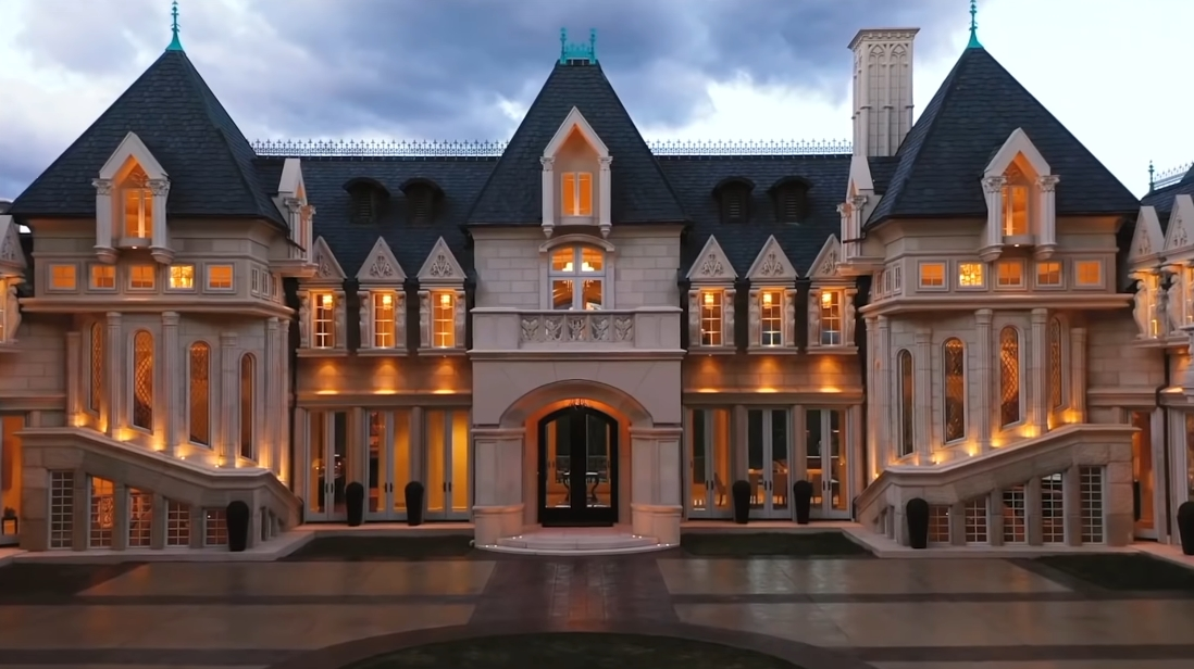 51 Interior Design Photos vs. Chateau V In Asheville, NC Luxury Mansion Tour