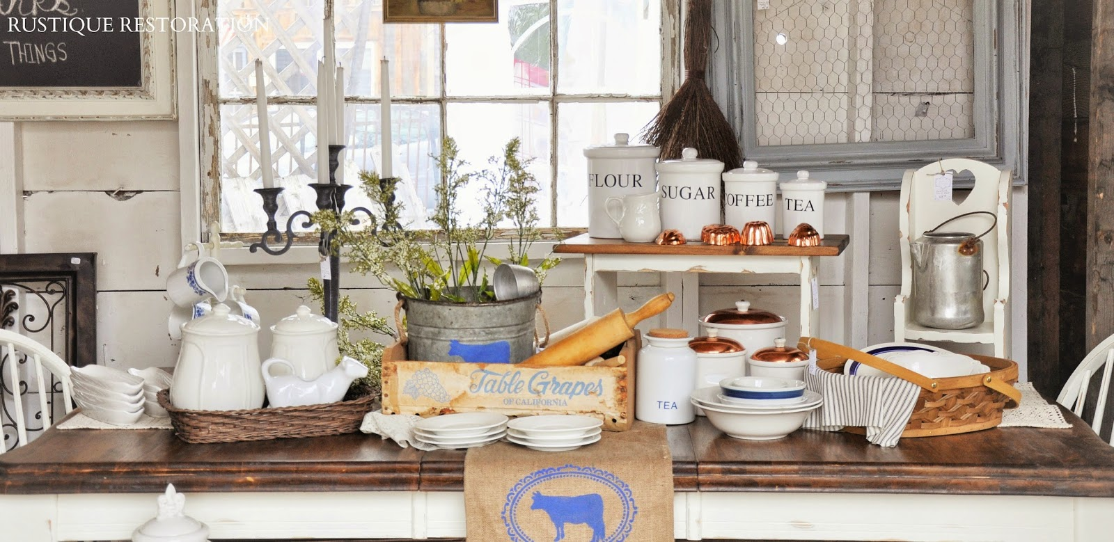 Rustique Restoration: French Country Farmhouse Table And Decor