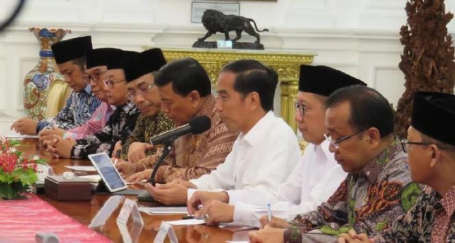 Jokowi Tegaskan Tak Lindungi Ahok, Siap Turun Tangan Jika Kasusnya Tak Tuntas