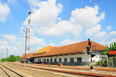 Daftar Jadwal Kereta di Stasiun Karawang