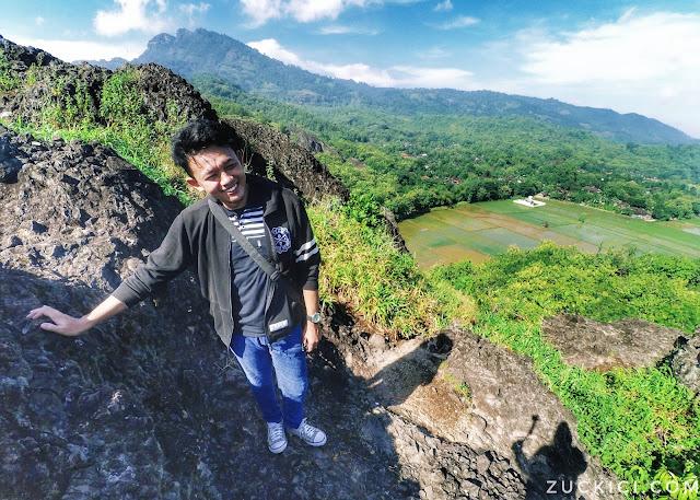 Bukit Sepikul Wisata Batu Seribu